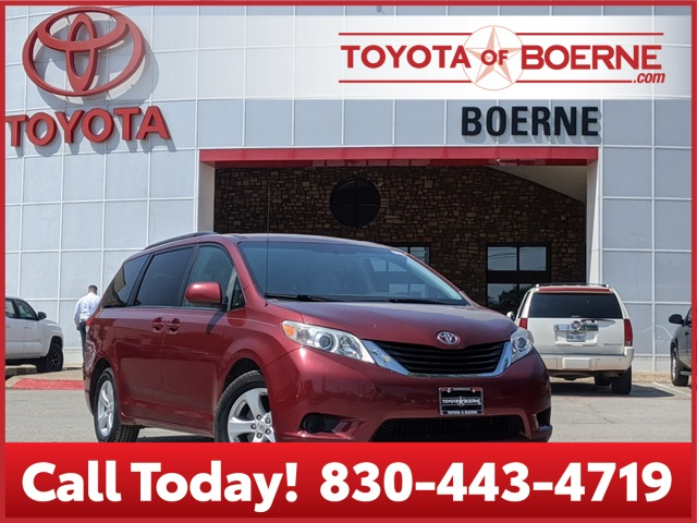 Pre-Owned 2011 Toyota Sienna LE