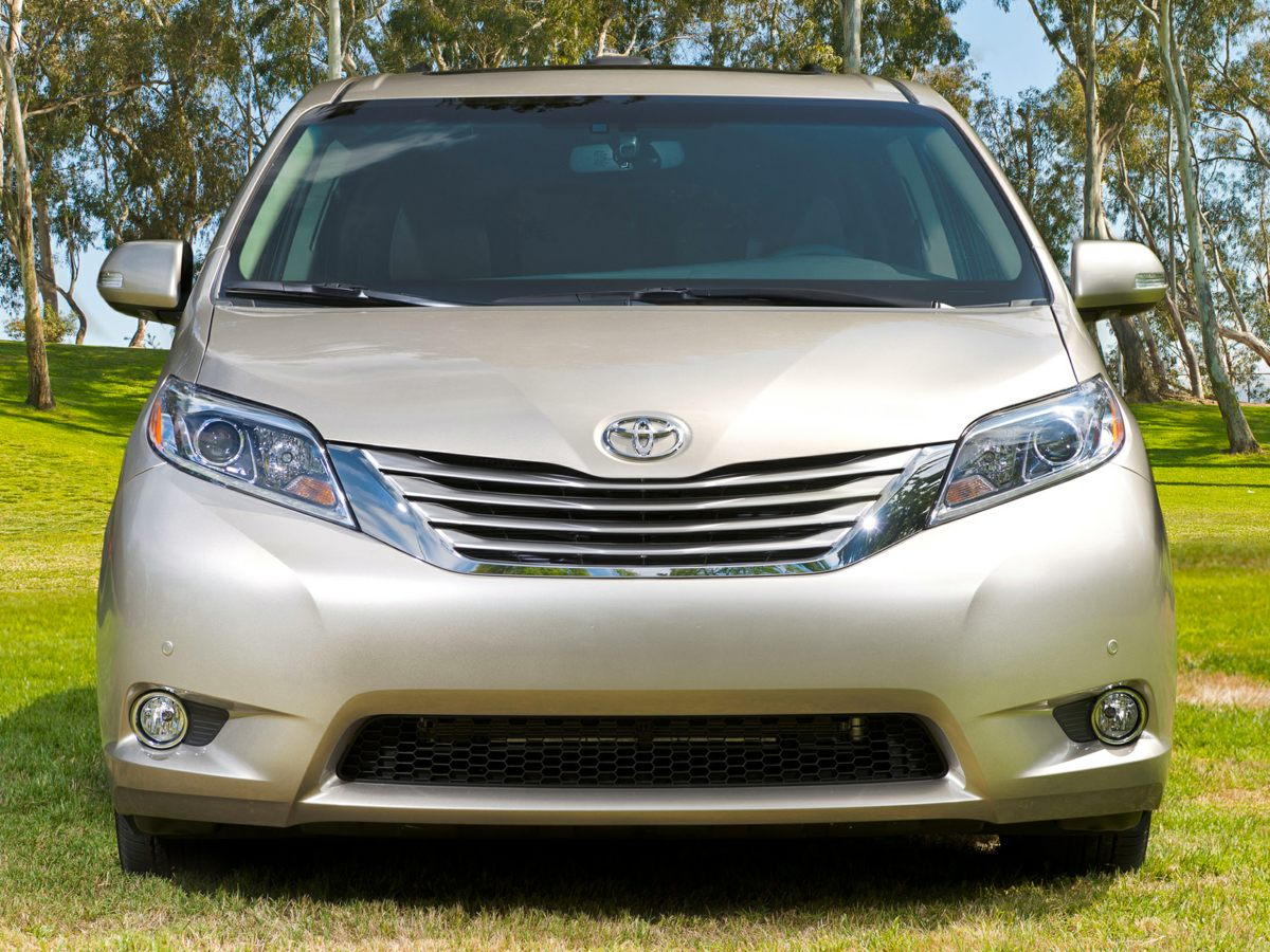 Certified Pre Owned 2017 Toyota Sienna Le